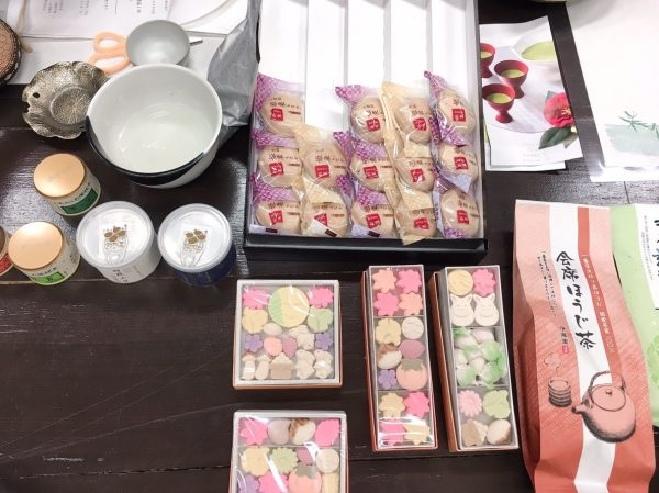 Tea confectionery3.jpg